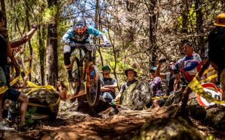 Josh Carlson van het Giant Factory Off-Road Team